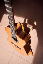 Guitar made by Hoang Dalat 3.jpg