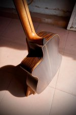 Guitar made by Hoang Dalat 5.jpg