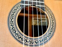 Guitar made by Hoang Dalat 7.jpg